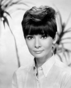 Audrey-Hepburn-audrey-hepburn-30477316-1703-2111